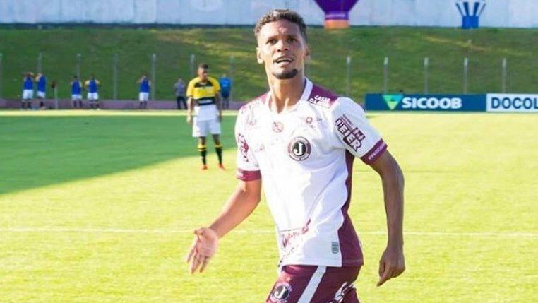 """Fabinho vibra com dois gols diante do Criciúma e quer mais contra a Chapecoense: """"Tentar surpreender"""""""